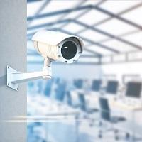 Закон не обязывает работодателя включать в трудовой договор условия об установлении видеонаблюдения на рабочем месте