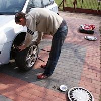 ВС РФ: потеря колеса в процессе движения автомобиля не означает, что произошло ДТП