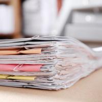 По каким КБК можно принимать бюджетные обязательства за счет лимитов 2020 года?