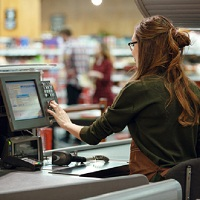 """Эксперты компании """"Гарант"""" рассказали, что необходимо предпринять, если кассир ошибочно пробил чек на онлайн-кассе в конце смены"""