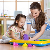 Период ухода за ребенком, засчитываемый в страховой стаж при назначении пенсии, предлагают увеличить