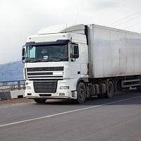Понижающие коэффициенты к размеру вреда, причиняемого федеральным автодорогам большегрузами, будут применяться еще год