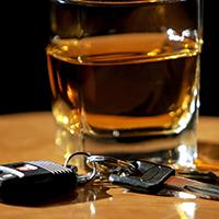 У пьяных водителей предложили забирать машины до уплаты штрафа