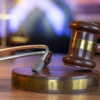 """Суд отменил """"санитарное"""" предписание работодателю об обязательной вакцинации сотрудников от гриппа"""