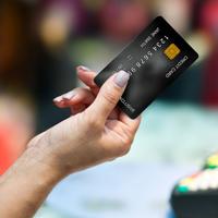 Банк России планирует выпустить около 30 млн национальных платежных карт в 2016 году