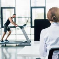 С 1 января – новый порядок медосмотра физкультурников и спортсменов и медсопровождения спортивных мероприятий