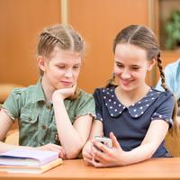 Предлагается запретить использование в школах личных гаджетов с возможностью выхода в Интернет