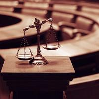 Возместить ущерб, причиненный налоговиками, можно только через суд