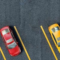 Налоговики могут применить меньшую ставку налога к автостоянкам при исчислении налога на имущество физлиц