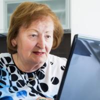 Утверждены правила обращения за региональной доплатой к пенсии в Москве
