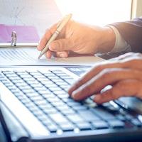 При указании сокращенного адреса продавца в счете-фактуре могут быть использованы как строчные, так и прописные буквы