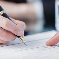 Можно ли производить удержания из заработной платы работника по его заявлению?