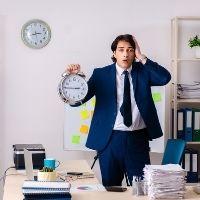 Налоговая служба напомнила о сроках уплаты налога на имущество организаций