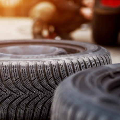 Переобуваем транспортные средства на лето: как организовать учет сезонной замены шин
